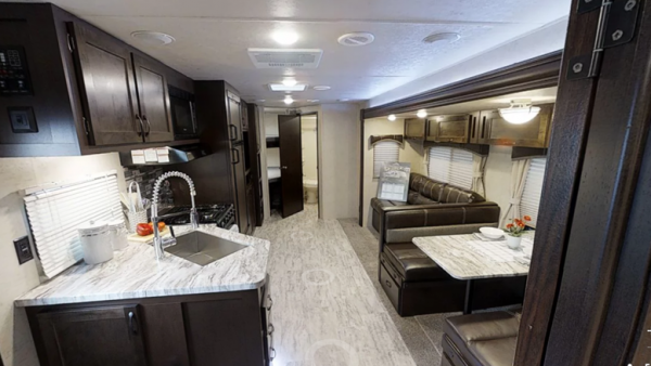 2019-East-to-WEst-Della-Terra-28KBS-Travel-Trailer-Bemidji-1-1533x840.png